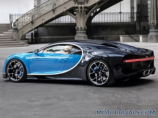 bugatti veyron super sport vs bugatti chiron 2017 bugatti chiron vs bugatti veyron youtube. Black Bedroom Furniture Sets. Home Design Ideas